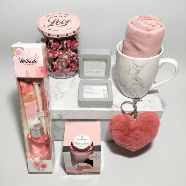 detalle-pack-regalo-marble-trend-pink
