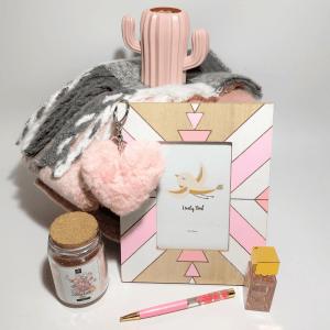 detalles-pack-de-regalo-sweet-rose-cajas-regalos-en-rosa-para-mujer