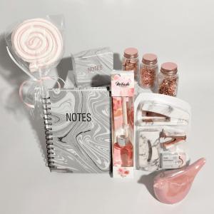 detalles-pack-regalo-oficina-rosa-casa