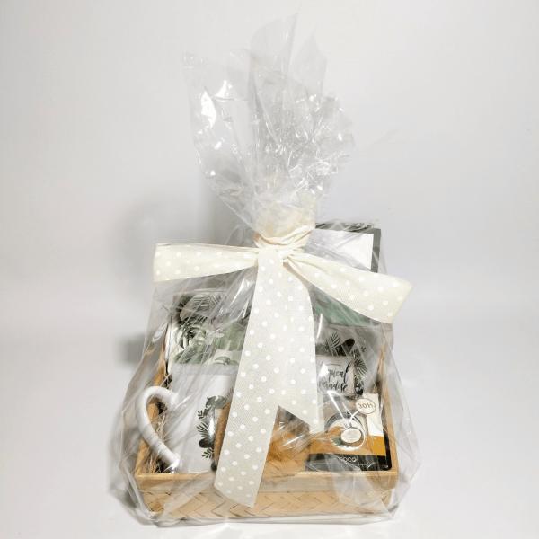 detalle-del-embalaje-pack-regalo-elegant-tropical-style