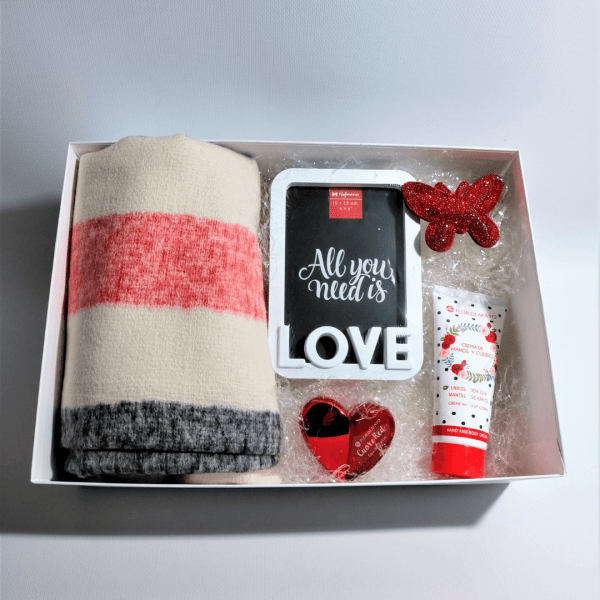 pack-de-regalo-san-valentin-mujer-love-red